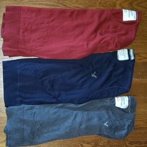 American Eagle v-neck sweaters